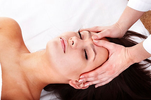 Facial_Treatments_Hydrating.jpg