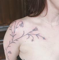 tattoomija praha nika chic abstrakt (9).JPG