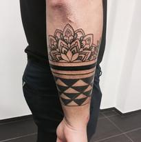 Geometrie tetovani studio Tattoo Mija Praha 10 Vrsovice (7).jpg