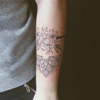 tattoo mija praha nika chic kvetiny a priroda (6).jpg