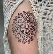 tattoomija praha mija tetovani mandala_4.jpg
