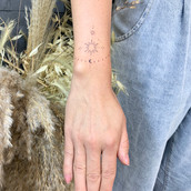 malé minimalnistické tetování praha tattoomija2.jpg