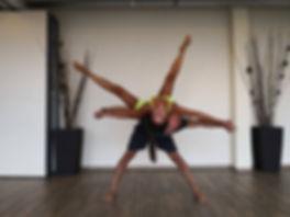 Akroyoga_Yoga_Mija_Praha (3).jpg