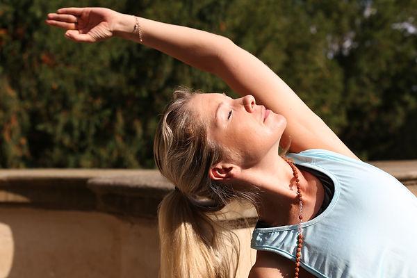 Mobilita kyčlí a síla pánevního dna studio Yoga Mija Praha 10 Vinohrady
