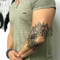 Mandaly a mandalky tetovani TaTERKA studio Tattoo Mija Praha 10 Vrsovice (3).JPG