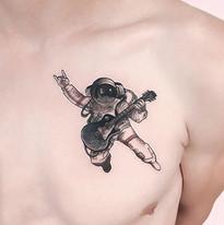 tattoomija_praha_tetovani_pink.ink_realistika_kresby (15).jpg