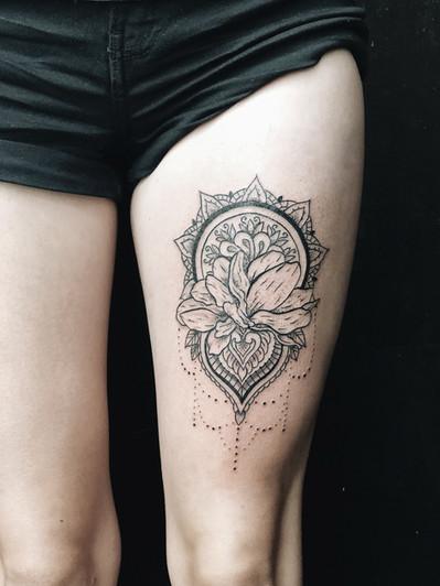 Mandaly tetování - Tattoo Mija Praha Vrš