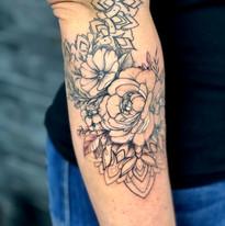 tattoomija praha kresby a abstraktni tetovani (6).jpg