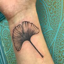 Rostlinky a ostatni tetovani TaTERKA studio Tattoo Mija Praha 10 Vrsovice (9).JPG