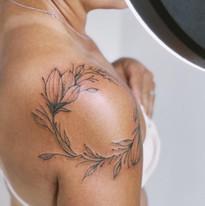 tattoomija praha nika.chic tetovani kvetiny_1.JPG