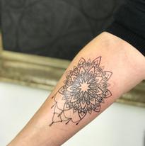 Mandaly a mandalky tetovani TaTERKA studio Tattoo Mija Praha 10 Vrsovice (5).JPG