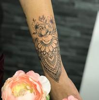 tattoo mija praha taterka mandalky galerie tetovani (1).JPG