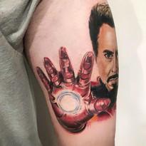 tattoomija_praha_tetovani_pink.ink_realistika_kresba (2).jpg