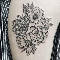 Mandala tetovani Nika Chic studio Tattoo Mija Praha 10 Vrsovice (8).JPG