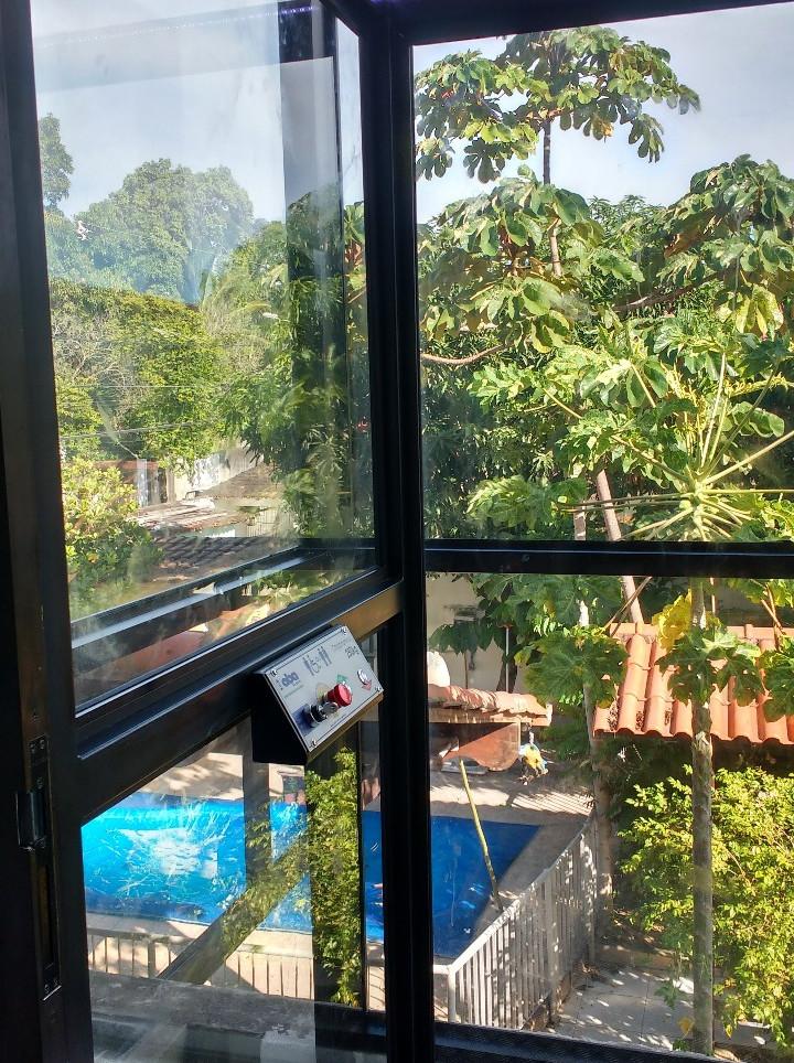Plataforma cabine fechada residencial  p
