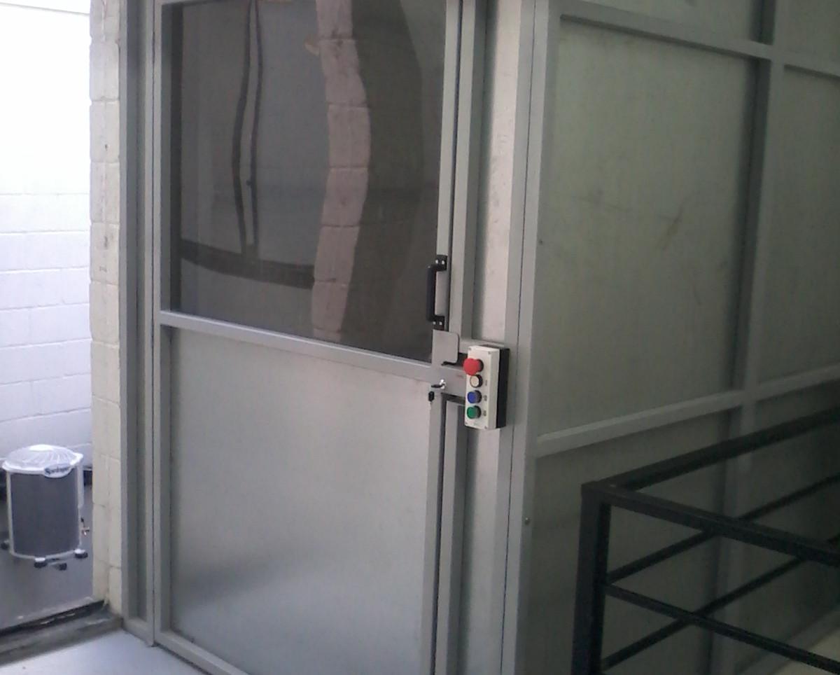 Elevador de carga (3).jpg