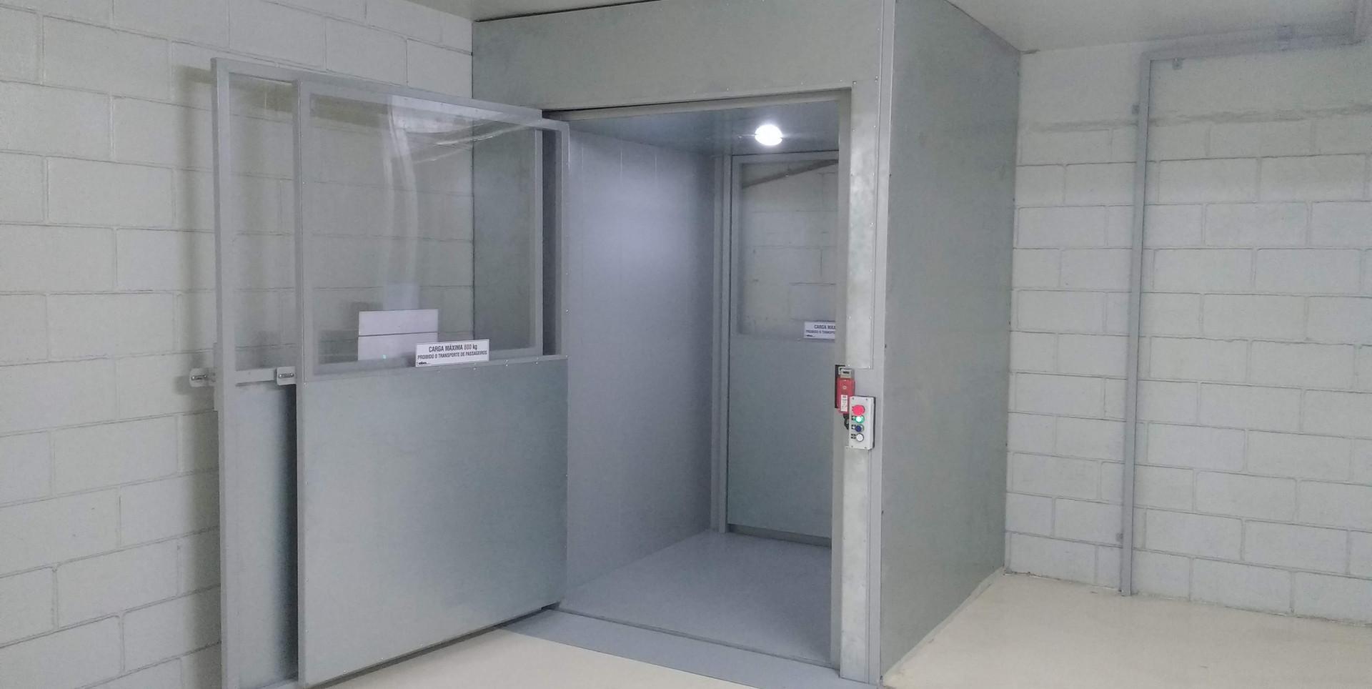 Elevador de carga (11).jpg