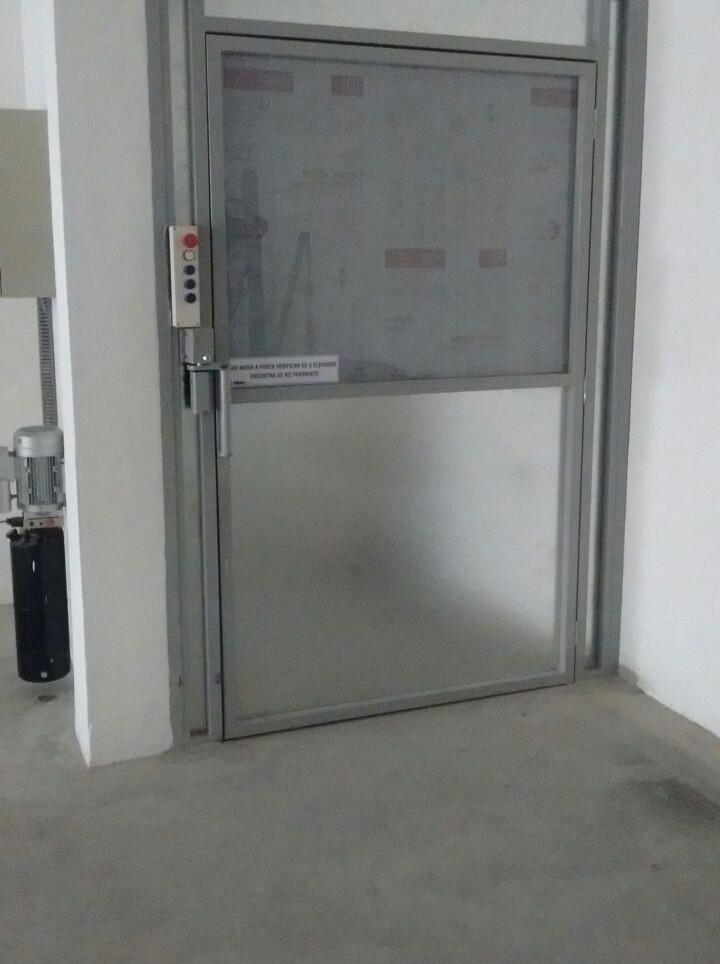 Elevador de carga (2).jpg