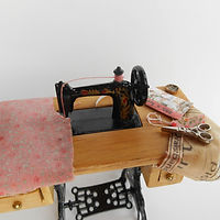 sewing machine pink.jpg