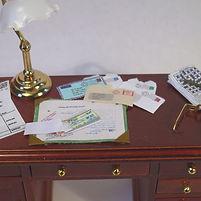 modern post on desk .jpg