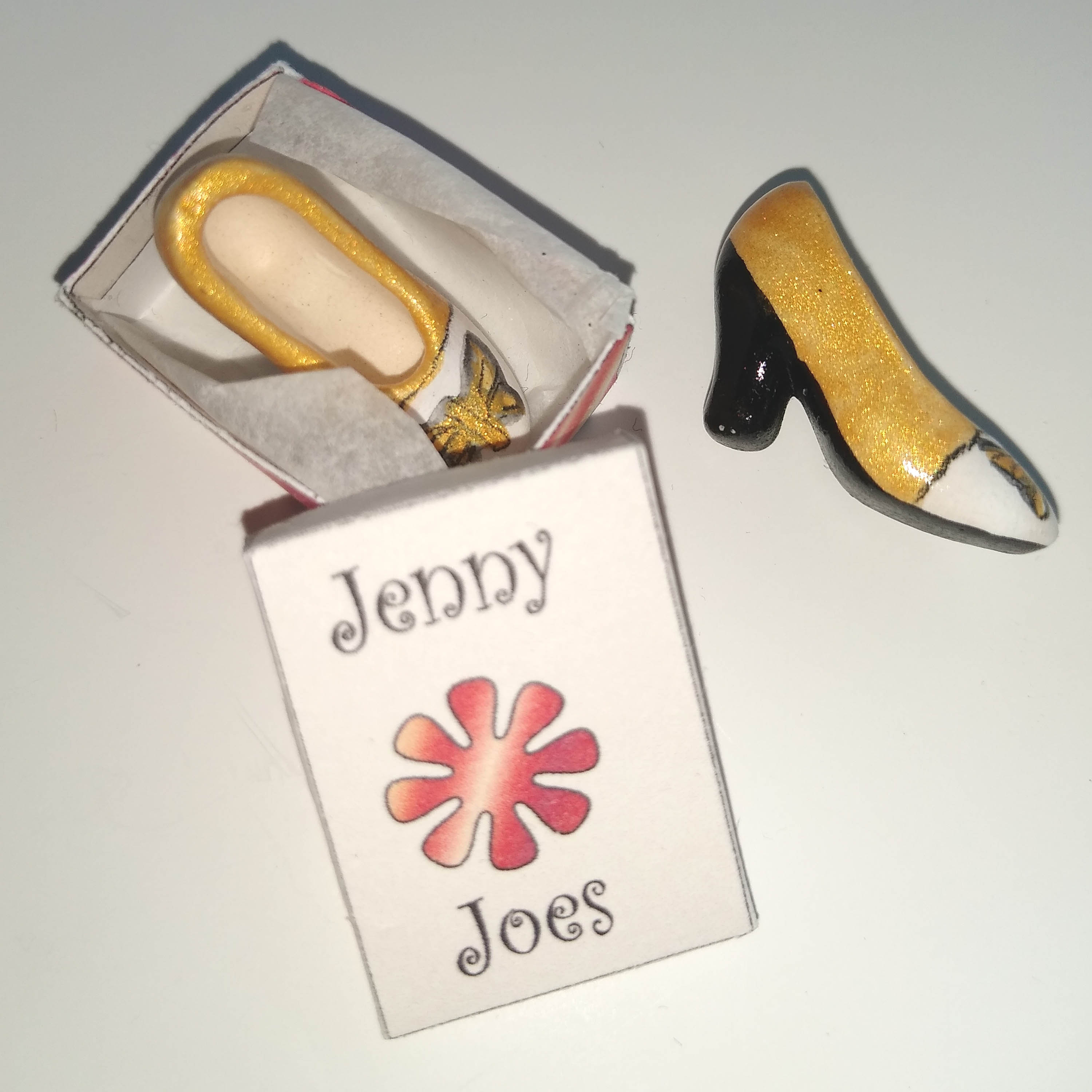 jenny shoes box gold out