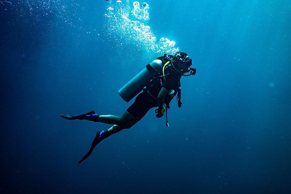Divers Box Scuba Diving