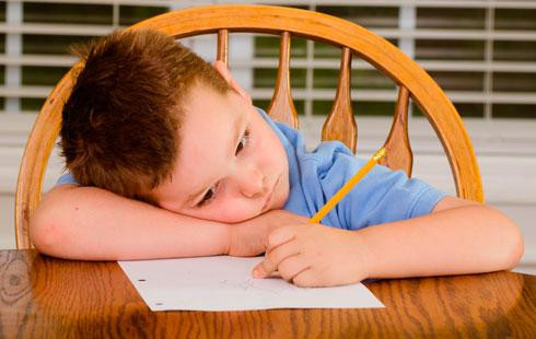 Niño_desmotivado_en_el_colegio.jpg