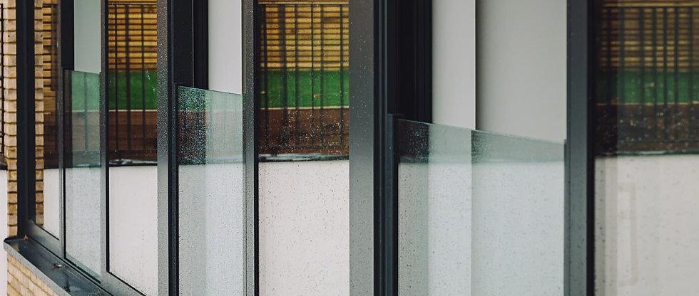 Easy Glass View.jpg
