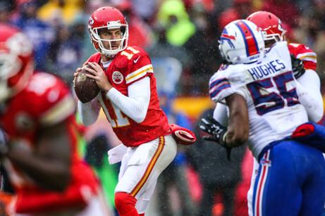Kansas City Chiefs quarterback Alex Smith (11)