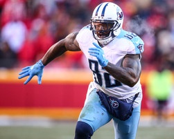 Tennessee Titans tight end Delanie Walker (82)
