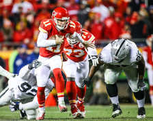 Kansas City Chiefs quarterback Alex Smith (11)
