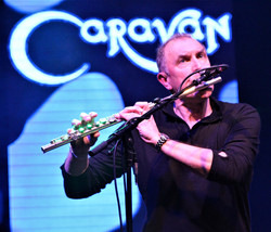 Day 2 - Main Stage_4 - Caravan (2)