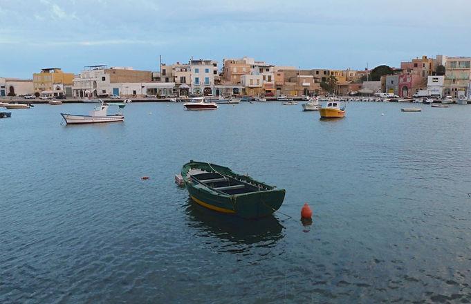 Lampedusa%20boat_edited.jpg