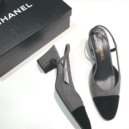 Chanel Slingback cinza
