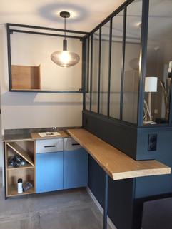Rénovation d'intérieur avec une verrière industrielle