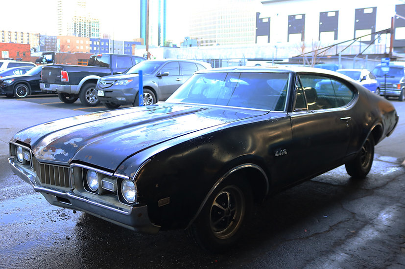 1968  Oldsmobile Holiday Coupe 442