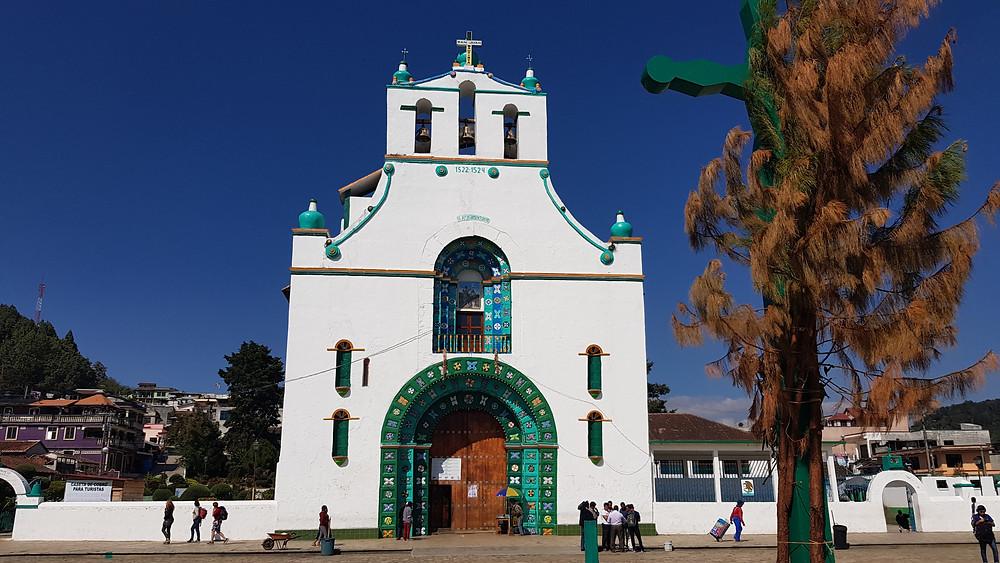 Il est strictement interdit de prendre des photos dans l'enceinte de cette église, à San Juan Chamula.