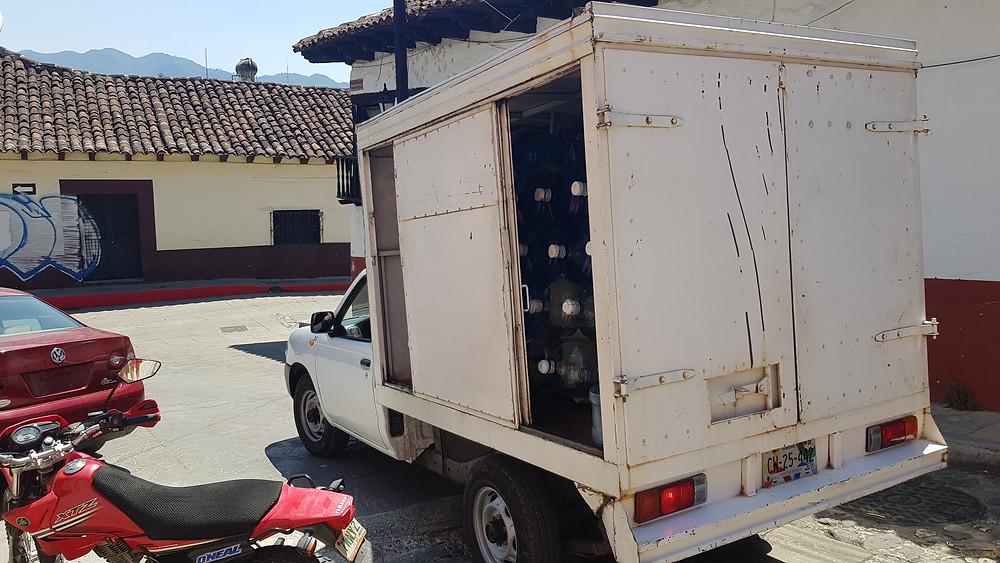 Livraison d'eau, à San Cristobal de las Casas.