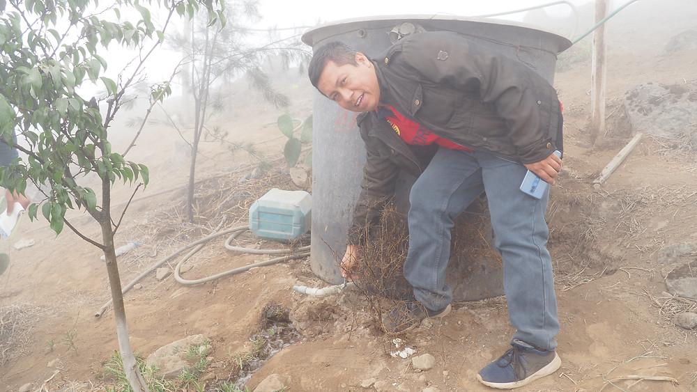 Jorge Poma, ingénieur au sein de l'ONG.