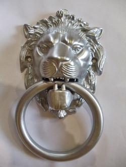 Лев, Матовый хром
