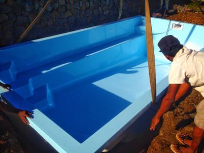 Installation of fibreglass pool