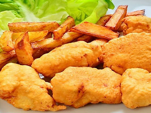 Homemade-Chicken-nuggets-with-chips.jpg