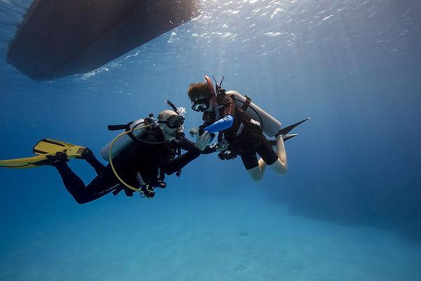 Padi-GrandCayman-03-2018-underwater-1391