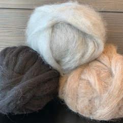 Small farm sheep wool roving