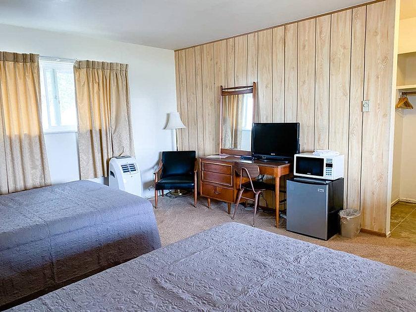 Lakeside-Motel-Room-3-Back.jpg