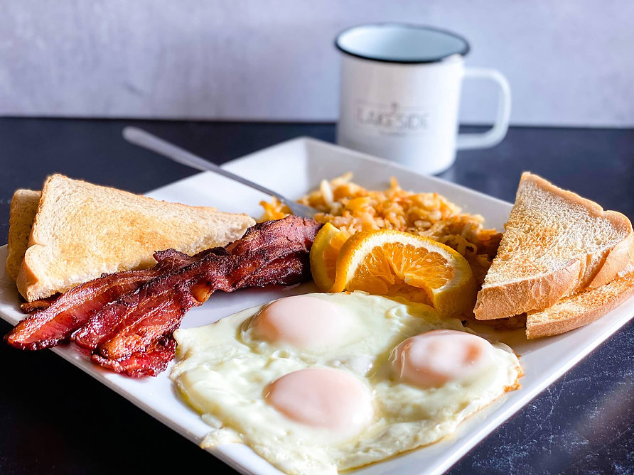 Bacon-and-Eggs-Breakfast_Lakeside-Restau