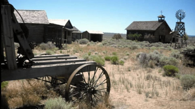 Fort-Rock-Homestead-Museum.jpg
