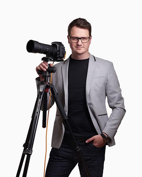 Tóth Balázs 2019 portré fotós crop FA.jp