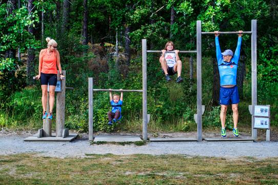 Familjen tränar ihop, UNT 2020.