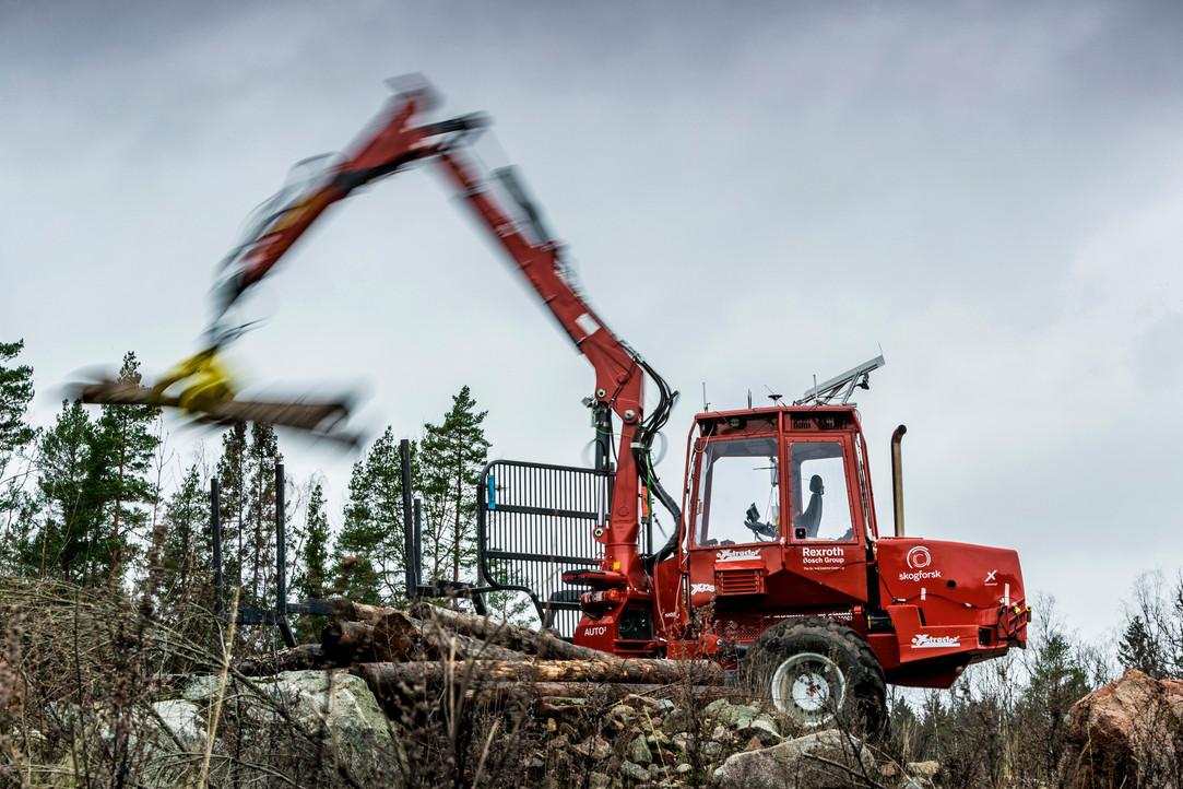 Förarlös skogsmaskin, Land 2020.